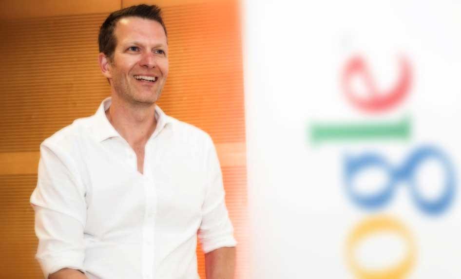 das bild zeigt alexander sperber für das interview zum thema google_shopping_kampagnen_optimieren